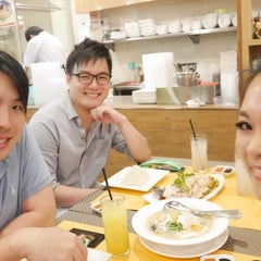 Photo taken at Boon Tong Kee 文東記 by Catherine C. on 6/14/2015
