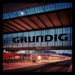 Photo taken at München Hauptbahnhof by Björn W. on 5/10/2013