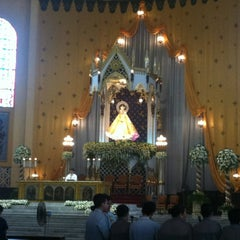 Photo taken at National Shrine of Our Lady of the Holy Rosary of La Naval de Manila (Sto. Domingo Church) by Darwin R. on 10/6/2012