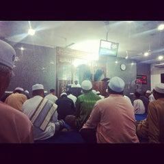 Photo taken at Surau An-Nur by Mohd Haaziq M. on 11/27/2012