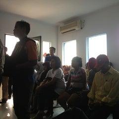 Photo taken at Plasa Telkom Jakarta Timur by dian n. on 8/20/2013
