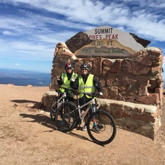 Photo taken at Pikes Peak Bike Tours by Varawut S. on 9/7/2015