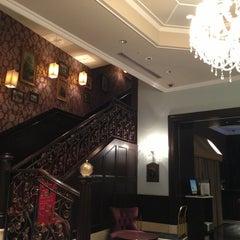 Photo taken at ホテルモントレ赤坂 (Hotel Monterey Akasaka) by Lord M. on 4/4/2013