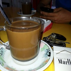 Photo taken at Café Muda-Mudi by Arul S. on 11/2/2013