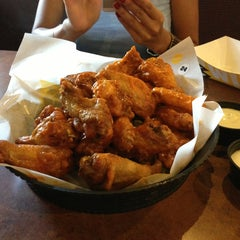 Photo taken at Buffalo Wild Wings by Pete C. on 7/7/2013