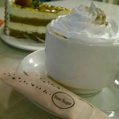 Photo taken at De Pastry Chef by Katherine . on 11/3/2015