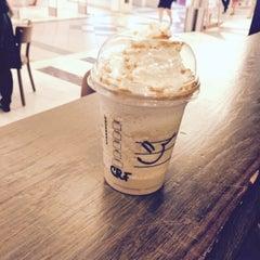 Photo taken at Starbucks by Lokin P. on 8/28/2015