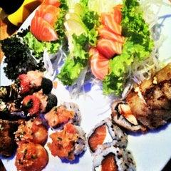 Photo taken at Hanbai Sushi Bar by Rodrigo B. on 11/5/2012