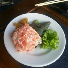 Photo taken at Hachi Japonese Food by Paulinho R. on 10/14/2012