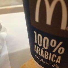 Photo taken at McDonald's by Diógenes C. on 1/18/2013