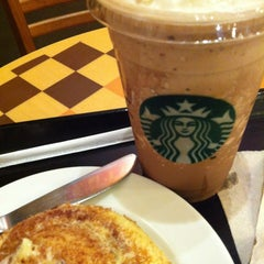 Photo taken at Starbucks Coffee by JanetIvin L. on 1/9/2013