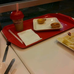 Photo taken at KFC (เคเอฟซี) by Oilvi L. on 1/2/2013