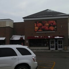 Photo taken at Jewel-Osco by Peter K. on 12/15/2013
