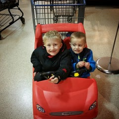 Photo taken at Jewel-Osco by Peter K. on 12/7/2014