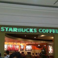 Photo taken at Starbucks by Shinta N. on 11/16/2012