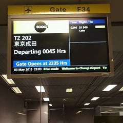 Photo taken at Gate F54 by すとべりたん。 I. on 5/3/2015