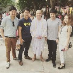 Photo taken at วัดเชิงเลน by ?????? ?. on 7/26/2015
