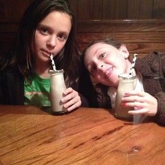 Photo taken at Outback Steakhouse by Alicia R. on 12/19/2013