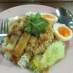 Photo taken at King Mongkut's Food Center by Kanaapz♡ on 8/4/2015