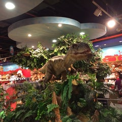 Photo taken at Hamleys by Shayon P. on 6/15/2014