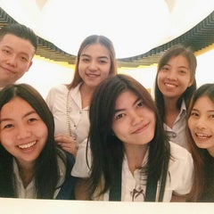Photo taken at ศูนย์ประวัติศาสตร์เยาวราช (Yaowarat Chinatown Heritage Center) 耀华力唐人街历史中心 by Weena l. on 6/20/2015