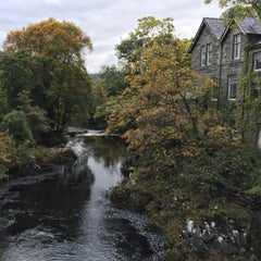 Photo taken at Royal Oak Betws y Coed by Michael B. on 10/8/2015