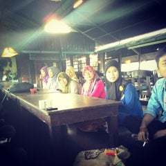 Photo taken at Kedai Nusantara by Rio B. on 8/30/2014