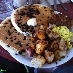 Photo taken at Vertical Diner by Tim on 8/18/2013