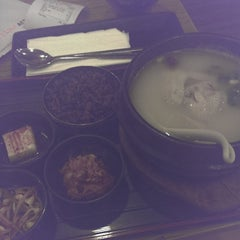 Photo taken at Seoul Yummy by Robert S. on 7/3/2014