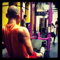 Photo taken at Planet Fitness by Ricardo J. S. on 12/27/2012
