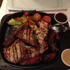Photo taken at El Toro Bravo Steak House by Юлия К. on 4/21/2013