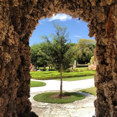 Photo taken at Vizcaya Museum and Gardens by Henrique D. on 4/13/2013
