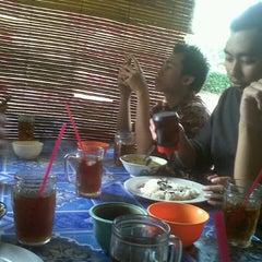 Photo taken at Pecel Lele Lela by Rifal P. on 10/12/2012