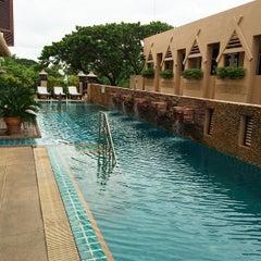Photo taken at โรงแรมมณีนาราคร (Maninarakorn Hotel) by chiharu k. on 9/3/2014