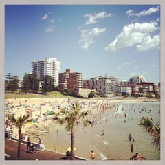 Photo taken at South Cronulla Beach by Miguel C. on 12/27/2012