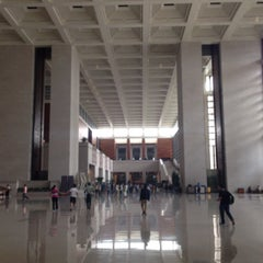 Photo taken at 中国国家博物馆 National Museum of China by Kinas C. on 9/20/2013