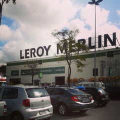 Photo taken at Leroy Merlin by Túlio V. on 6/9/2013