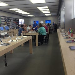 Photo taken at Apple Store, Arrowhead by Katherine on 10/15/2012