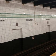 Photo taken at MTA Subway - Bedford/Nostrand Aves (G) by Kimmie O. on 11/4/2014