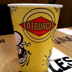 Photo taken at Fatburger by Agus H. on 2/6/2016