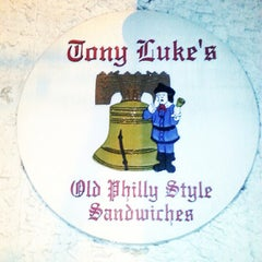 Photo taken at Tony Luke's by Travelin Matt H. on 5/19/2013