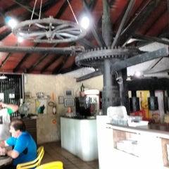 Photo taken at Restaurante Quinha by fabianomcb .. on 12/5/2015