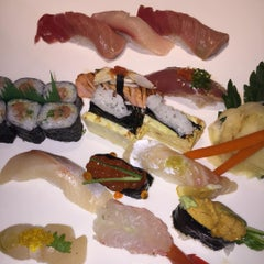 Photo taken at Sushi Masu by Rob H. on 7/24/2015
