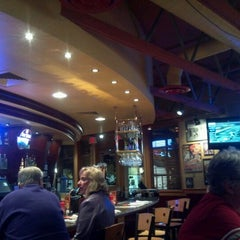 Photo taken at Red Robin Gourmet Burgers by Richard S. on 10/19/2012