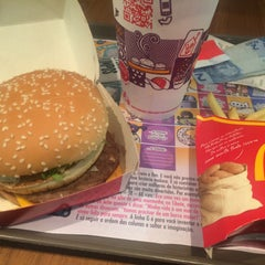 Photo taken at McDonald's by Mariana S. on 6/15/2015