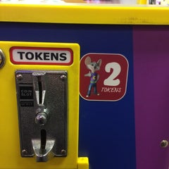 Photo taken at Chuck E. Cheese's by Benjamin F. on 12/28/2014