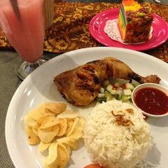 Photo taken at Restoran D'KL by 💋Anna A. on 6/25/2013