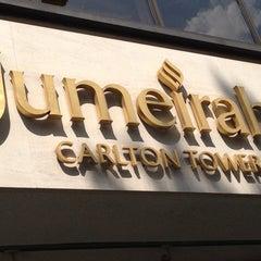 Photo taken at Jumeirah Carlton Tower by Enis K. on 7/17/2013