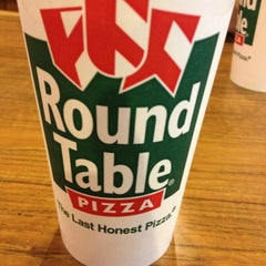 Photo taken at Round Table Pizza by Ben R. on 1/21/2013