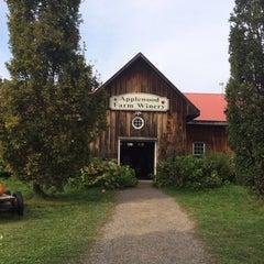 Photo taken at Applewood Farm Winery by Kelvin C. on 9/29/2013